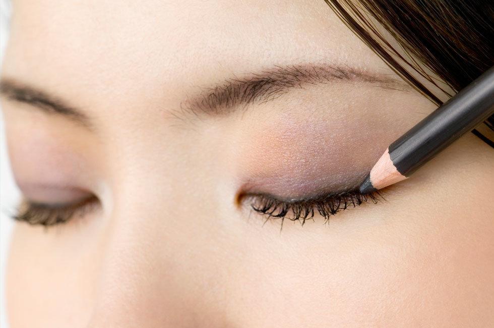 راهنمای کشیدن خط چشم